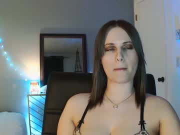 [27-02-21] allie_greene video with toys