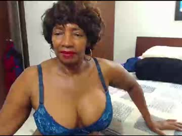 [23-02-20] maturehotlatin69 private show from Chaturbate.com