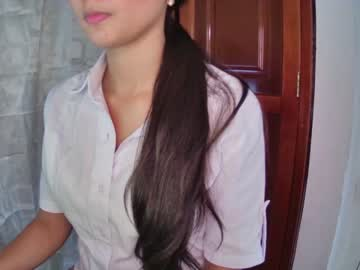 [24-09-20] dylan_melany video with toys
