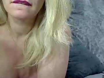 [11-09-20] 00yourmilf public show video from Chaturbate.com