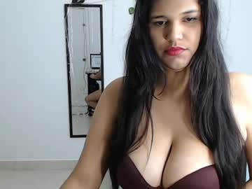 queen_big_boobs