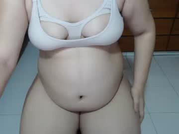 pregnant_alexandra