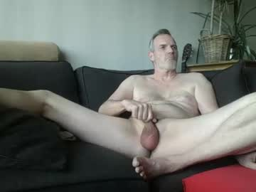 [21-03-20] chriszzz61 public show video from Chaturbate