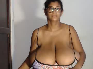 [19-08-20] kristinamilan record public webcam from Chaturbate.com