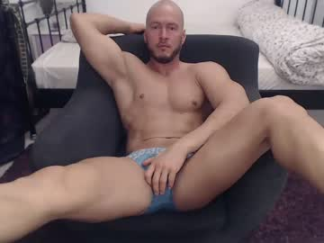 [10-01-20] razvan_corneliu public webcam video from Chaturbate.com