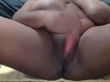 lola_swallows2