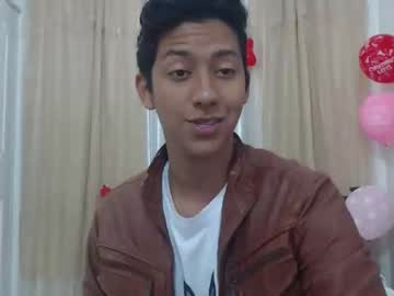 [22-02-20] nico_brand video with toys from Chaturbate