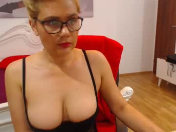 [01-10-20] quinblondy public show from Chaturbate