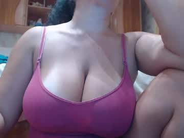 [24-09-20] bigboobsaly record video with toys
