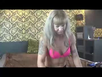 [10-01-21] fitnessmilf40 private show video from Chaturbate.com