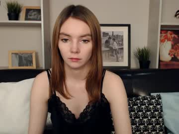 [24-01-20] tenderangelcarly show with toys