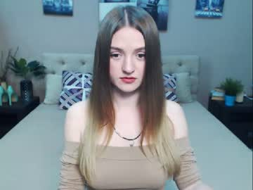 [03-03-20] capriconn public show from Chaturbate