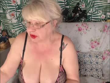 [10-05-20] hotsquirtylady nude