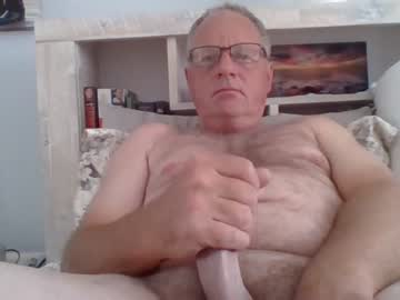 [15-10-21] petewigger show with toys from Chaturbate.com